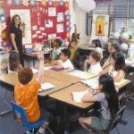 Anglų kalba sunki tėvams, o jų vaikams – lietuvių