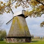 Stultiškių vėjo malūnas – linų muziejus