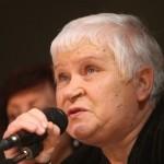 Veronika Povilionienė: daina pati į dangų kopia ir paskui save žmogų veda...