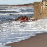 Klaipėdos paplūdimius sparčiai glemžiasi jūra