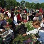 """XIV tarptautinis folkloro festivalis """"Tek saulužė ant maračių"""" ir rasų šventė"""