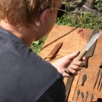 Archeologai Žagarėje ant Žvelgaičių piliakalnio aptiko XIII amžiaus vokiečių pilies liekanas