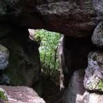 Aklas šventasis, Burtininkė ir Pagonių siena