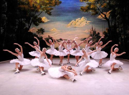 "Sankt Peterburgo valstybinis baletas ant ledo..Iš ""Makroconcert"" archyvo"