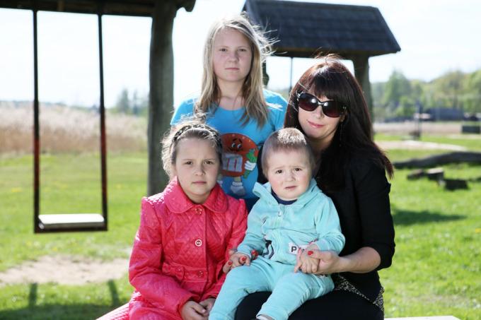 Eriko Ovčarenko/15min.lt nuotr. / Iš Norvegijos į Lietuvą su trimis vaikais grįžusi Vilija
