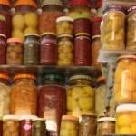 Kaip teisingai konservuoti maisto atsargas, kad jos netaptų pavojingos sveikatai?