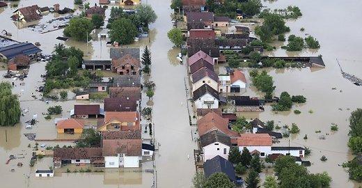 AP/Scanpix / Klimatas tai vienam tai kitam regionui jau krečia išdaigas. Potvynis Balkanuose