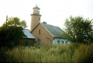 Rendės kaimo senasis švyturys Rendės iškyšulyje.1990 m. rugpjūtis. Autoriaus nuotrauka.