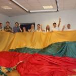 Jaunimo užmojis – Baltijos kelio jubiliejų paminėti kilometro ilgio trispalve