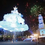 """""""Debesų eglę"""" įžiebę kauniečiai tiki – ji ir vėl bus įspūdingiausia Lietuvoje"""