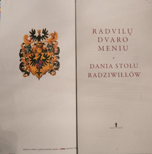 "Juliaus Kalinsko/15min.lt nuotr./Knyga ""Radvilų dvaro meniu"""
