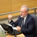 Seimas nesutiko, kad žurnalistų etika rūpintųsi katalikų vyskupai