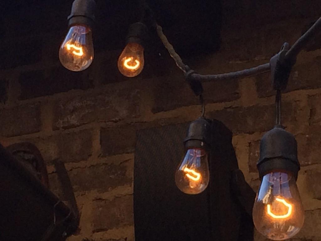 foto snap-ground.com elektros lemputė