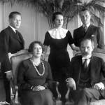 """Knyga """"Seserys"""" – apie dvi įtakingiausias tarpukario Lietuvos moteris"""