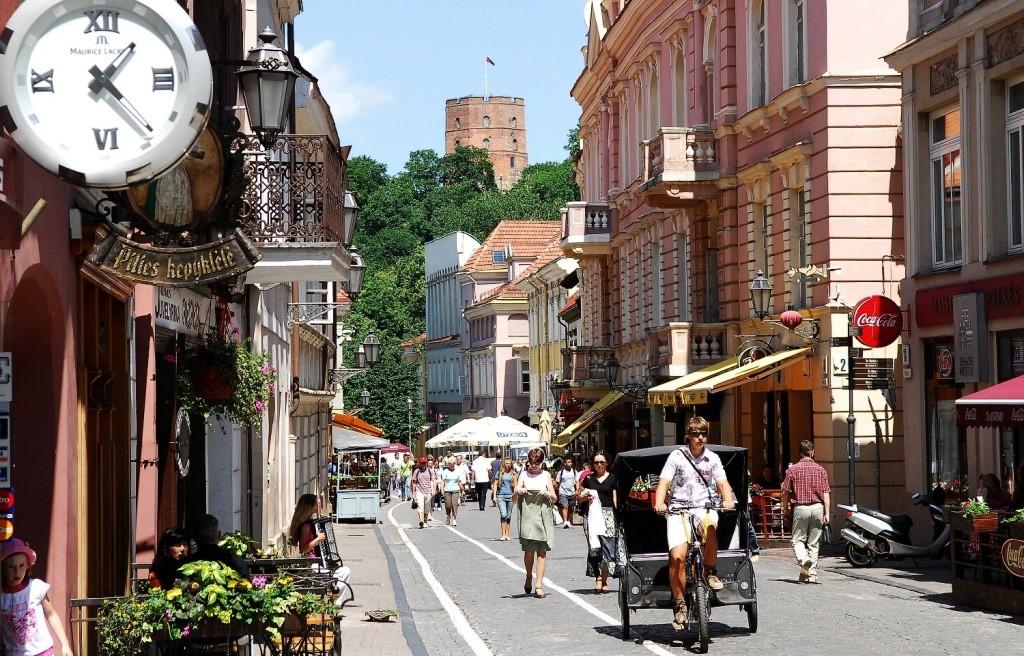Lithuania-Vilnius-medieval.street