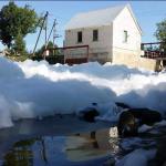 Šešupėje ties Antanavu – neaiški ekologinė nelaimė - putoja Šešupė