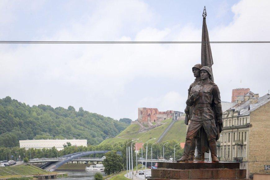 Irmanto Gelūno/15min.lt nuotr. / Žaliojo tilto skulptūros