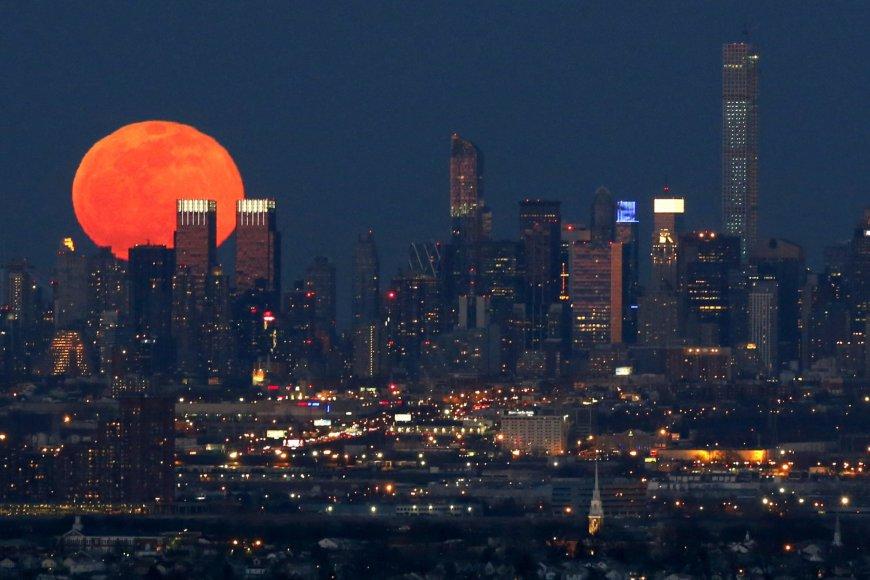"""""""Scanpix""""/AP nuotr. / Mėnulio vaizdai iš žemės"""