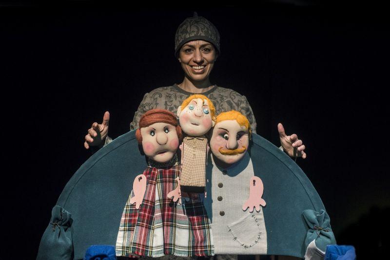 Režisierė Lijana Muštašvili su lėlėmis. Dmitrijaus Matvejevo nuotrauka