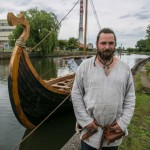Į Danės upę nuleistas vikingų laivas su kuršių motyvais