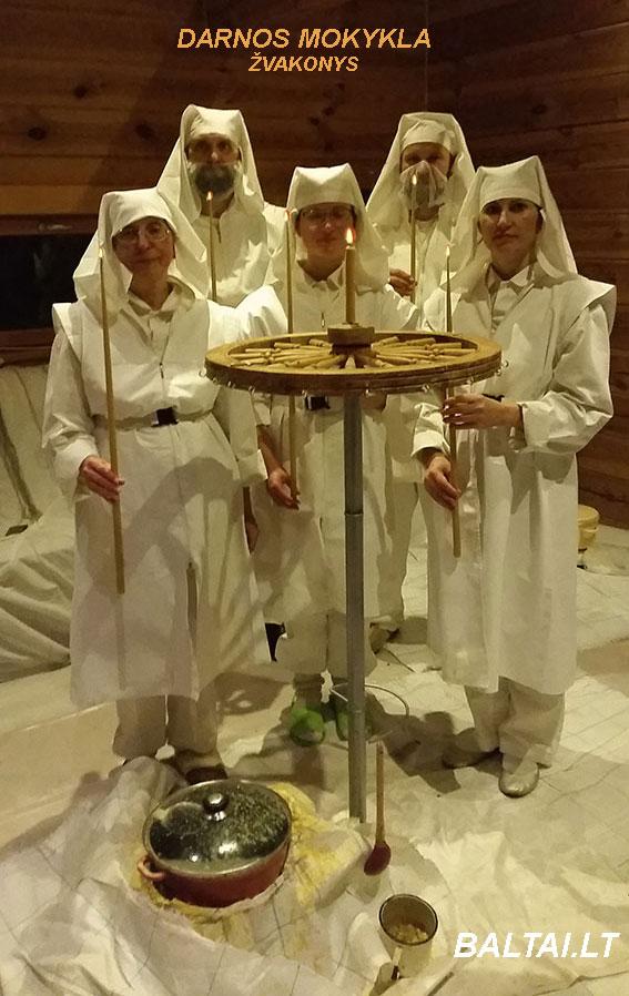 Perkūnyčių liejimo mokiniai - žvakonys