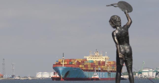 "© Redakcijos archyvo nuotrokeaninio tipo laivas - konteinerveþis ""MSC Sariska""."
