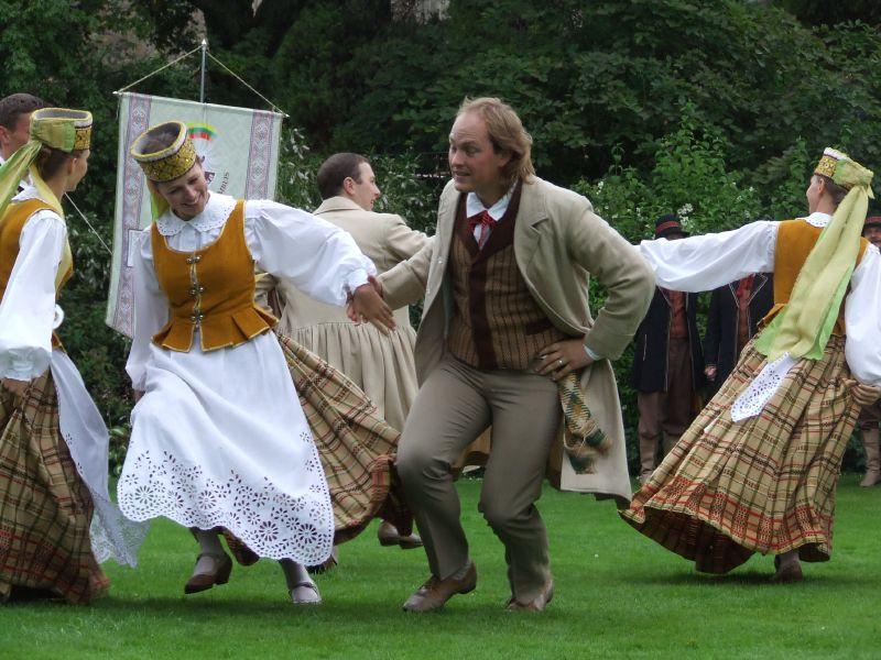 Tradicinis lietuvių šokis